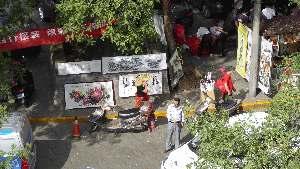kunst-markt-langs-muur-xian