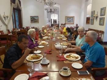 Tijdens deze reis dineren we elke avond gezamenlijk