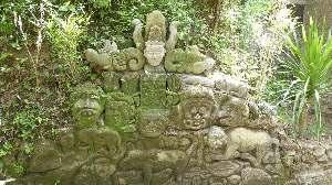 trekking Goa Gajah zandsteengravrures